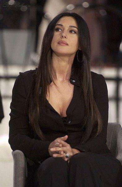 Monika Belluchchi Monica Bellucci S Photos Monika Belluchchi