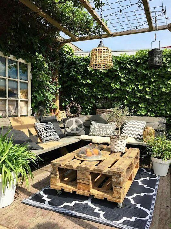 10 idee per arredare un terrazzo da sogno ma economico | Pallets ...