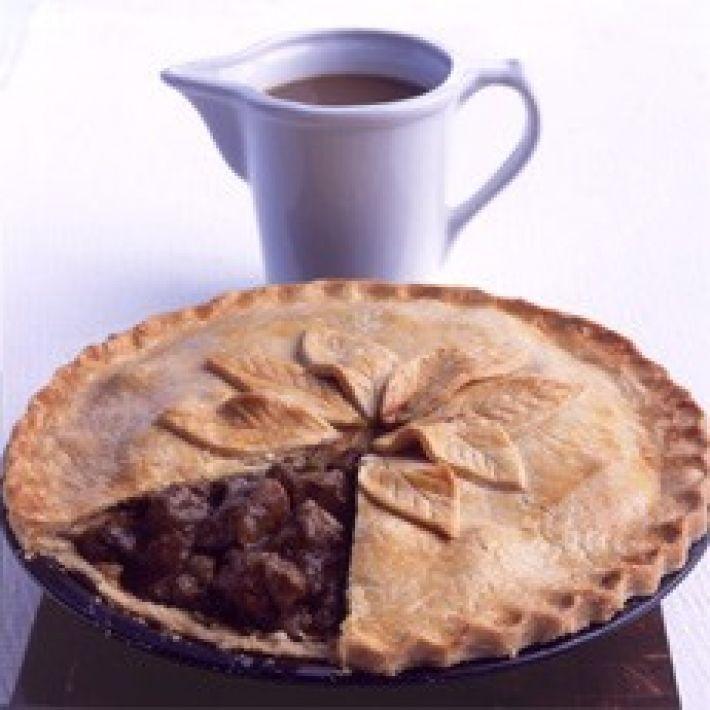 Mum\u0027s Steak and Kidney Plate Pie & Mum\u0027s Steak and Kidney Plate Pie | Recipe | Delia smith Pies and Steak