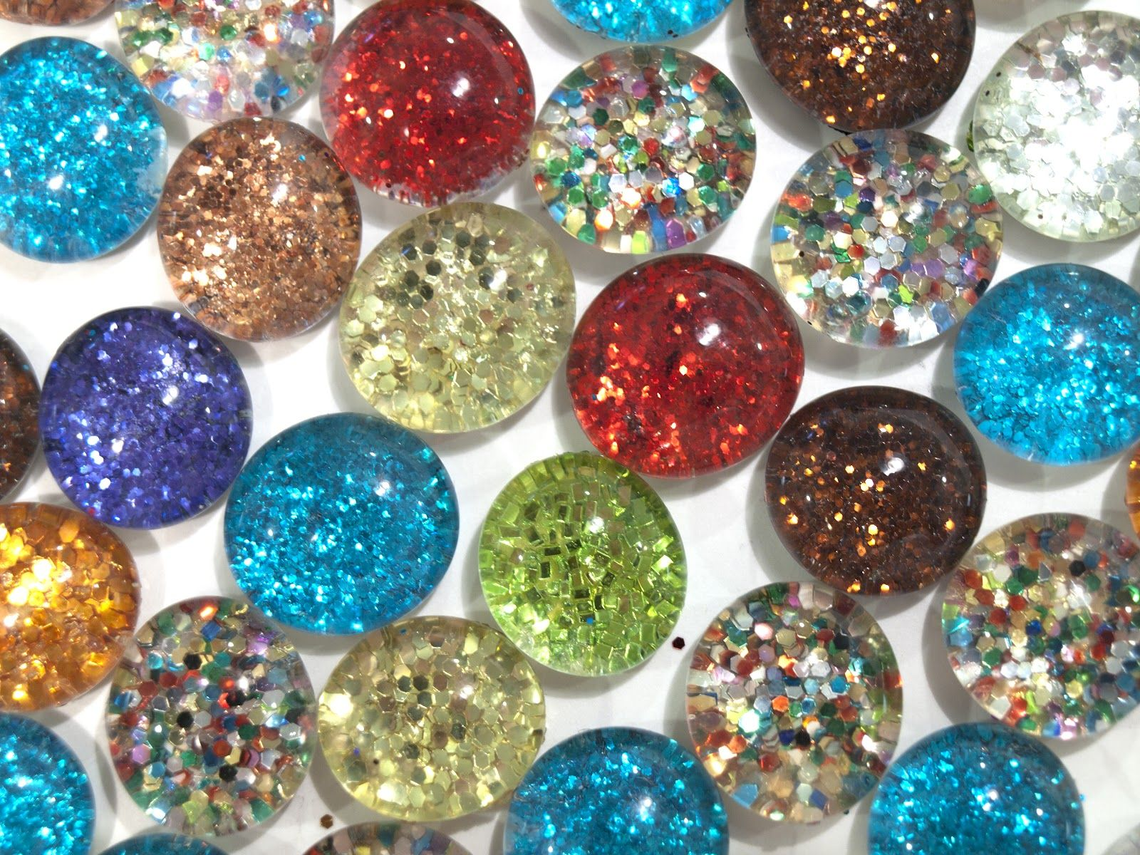 Flat glass marbles crafts - Flat Backed Marbles I Did This And You Need To Use Magnets Strong Enough To Hold Heavy Glass Stone Or They Will Only Hold Them