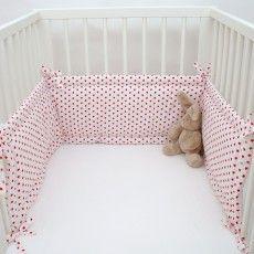 Babybett Gitterstäbe Polstern