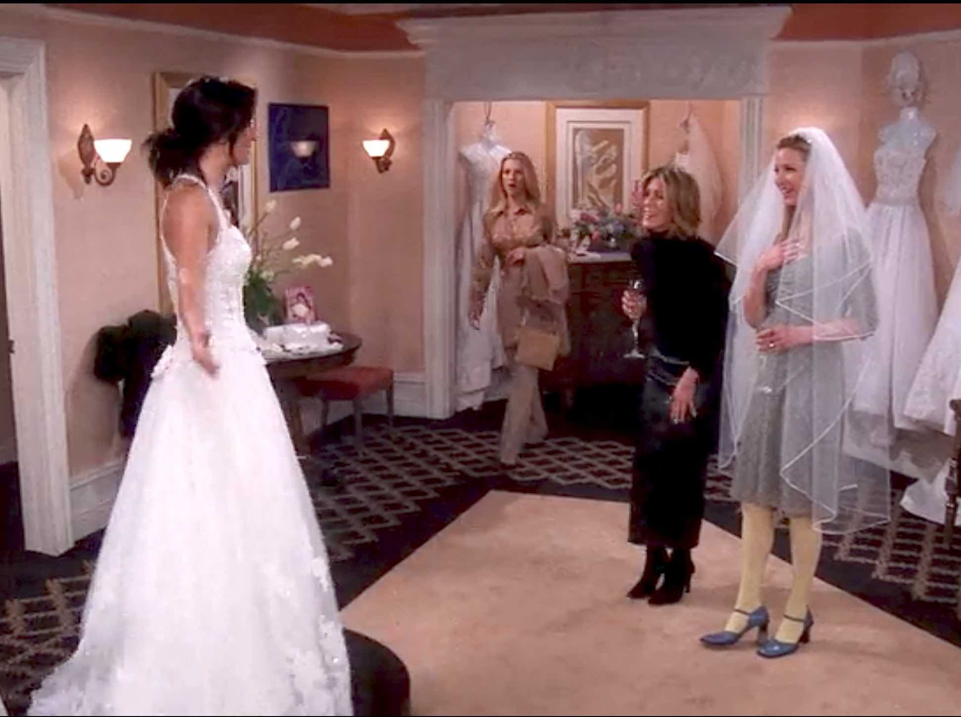 656 Outfits Phoebe Buffay Wore On Friends Fashion Paradoxes Phoebe Buffay Outfits Rachel Green Outfits Friends Fashion [ 1449 x 1942 Pixel ]
