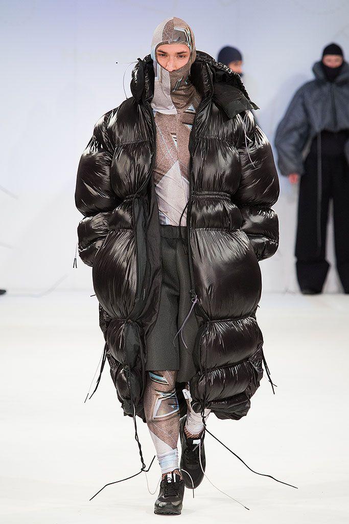 Hannah Wins Top Prize At Graduate Fashion Week News Manchester Metropolitan University Fashion Technology Fashion Oversize Fashion