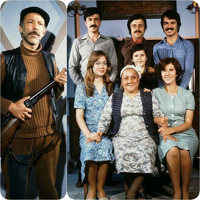 """Yayın akışı değiştimi bilemiyoruz ama birazdan Star tv'de """"Aile Şerefi"""" oynayacak..😊 Senaryosu Sadık Şendil-Suphi Tekniker ve aynı zamanda filmi'in yönetmenliğini de yapan Orhan Aksoy imzası taşıyan, rejisinden yapımına oyunculuklarından müziğine kadar nefis bir filmdir """"Aile Şerefi"""" ❤  Bu sene 40.yılını doldurmuş olan bizim de çok sevdiğimiz ve Aile filmleri olarak tabir ettiğimiz seri'nin bir başka yapımıdır...Güzel seyirler dileriz...🙏🙌"""