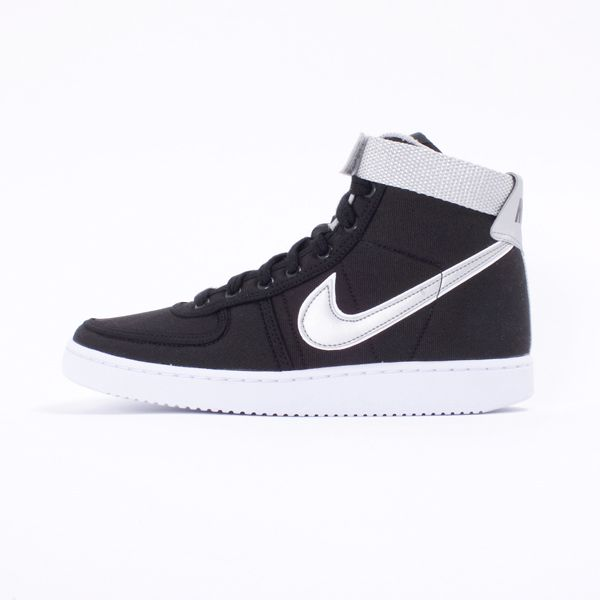 finest selection 953cc 38299 Nike Vandal High SP - The Vandal is back in black! The much loved Nike  Vandal High SP is definitely one of Nikes most popular vintage silhouettes,  ...