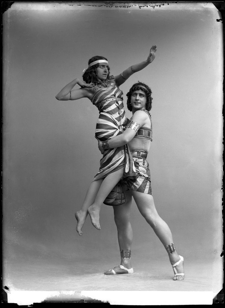 Fokin & Fokina, Stockholm 1913    Mikhail Fokin and Vera Fokina in the ballet Cleopatra.   Glass plate negative.