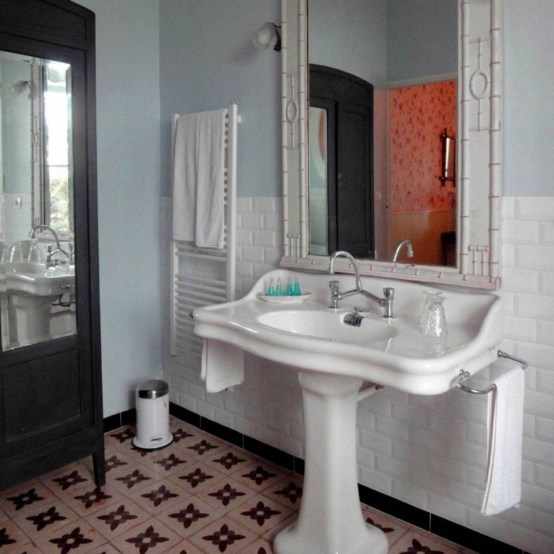 48++ Lavabo salle de bain annee 50 trends