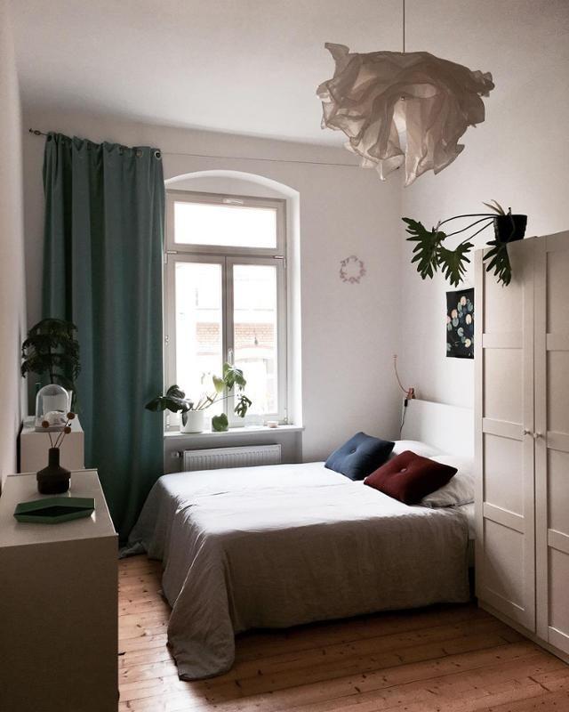 Good night... #sleepingroom #homesweethome #home #scandinaviandesign #interiordesign #leinen #altbau #dielen