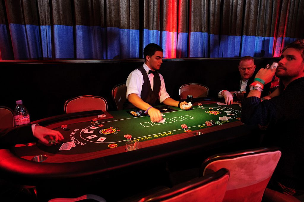 Deluxe Casino table For Blackjack, Poker or Pit games, 10