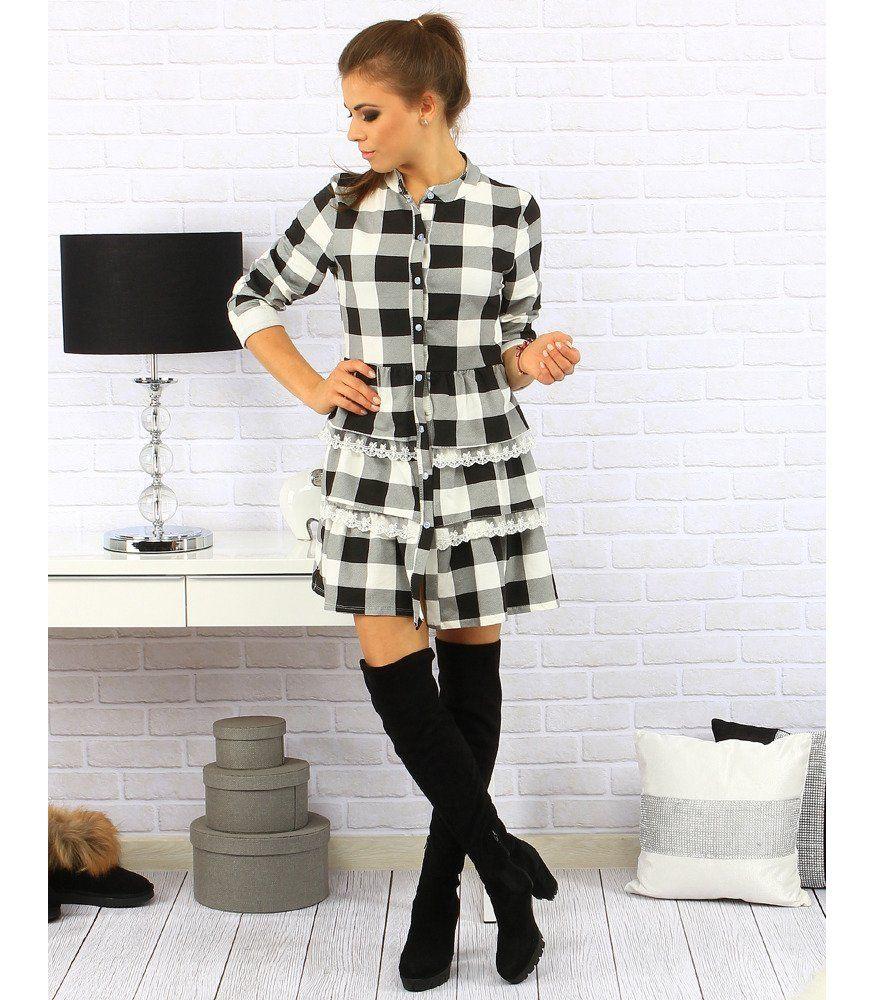 d22c5784b8bd Bielo-čierne kockované šaty. Vyrobená z materiálu príjemného na dotyk. Po  celej dlžke