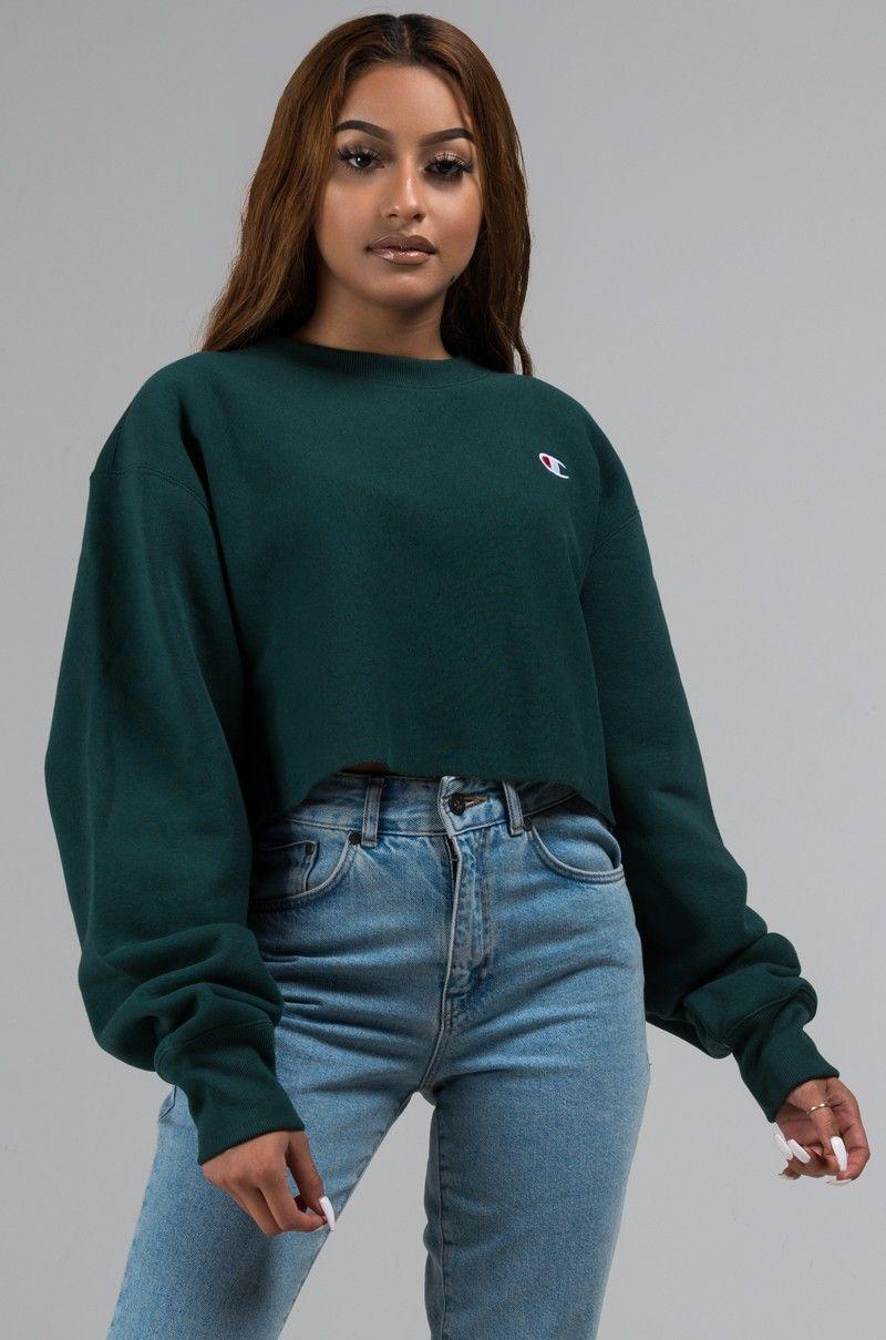 Champion Long Sleeve Cropped Logo Sweatshirt in Forest Green