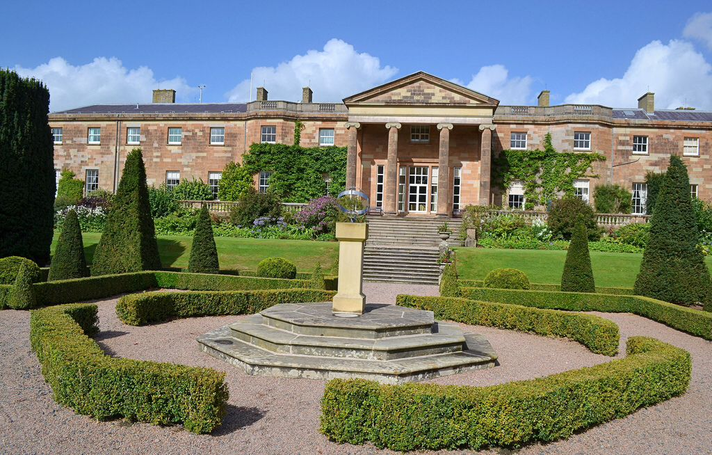 Hillsborough castle hm the queens official residence in