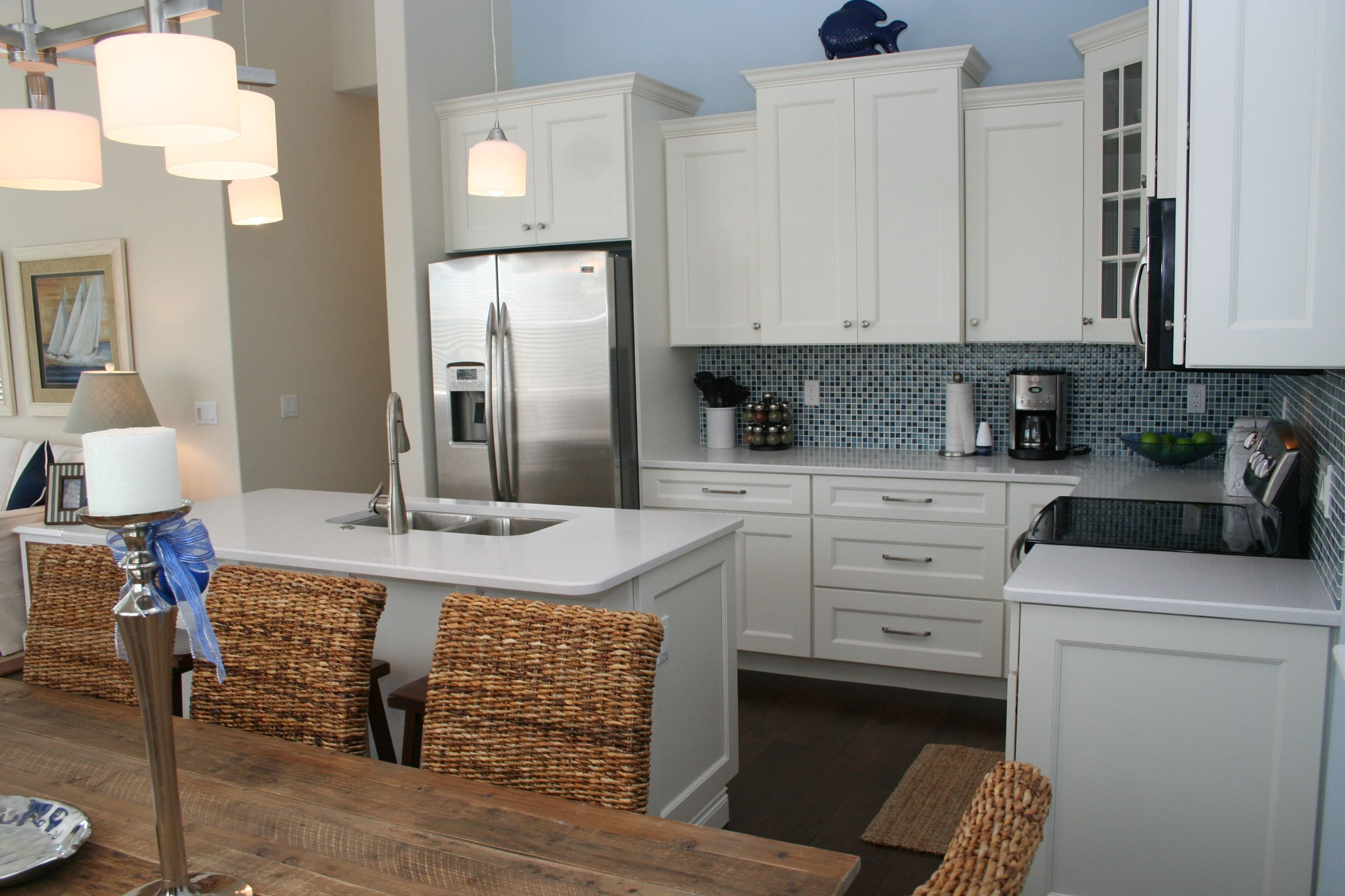 Small beach house kitchen simple and well done kitchens