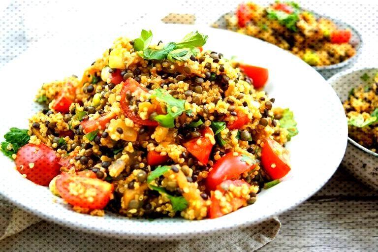 Linsen Quinoa Salat mit Aubergine Rezept | Elle Republic Linsen Quinoa Salat mit Aubergine und To