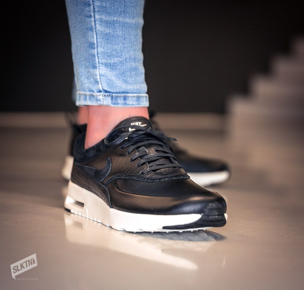nike air black thea