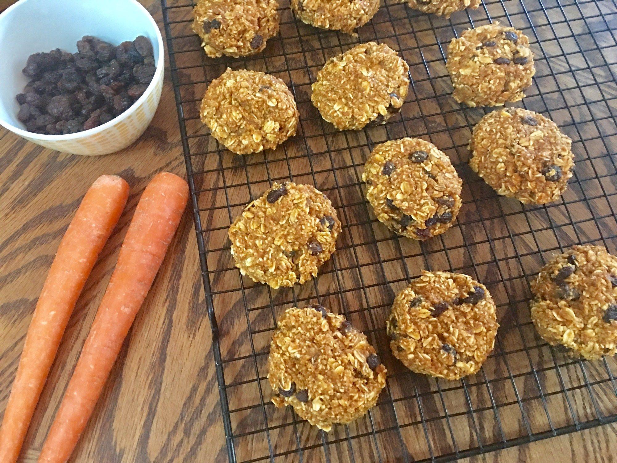 Glutenfree and sugarfree carrot raisin oatmeal cookies