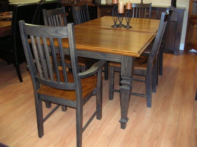Oak table, solid oak table and chairs, oak kitchen table, oak dining table, oak dining table and chairs, oak table set, Harts Country Furniture Sutton Ontario.