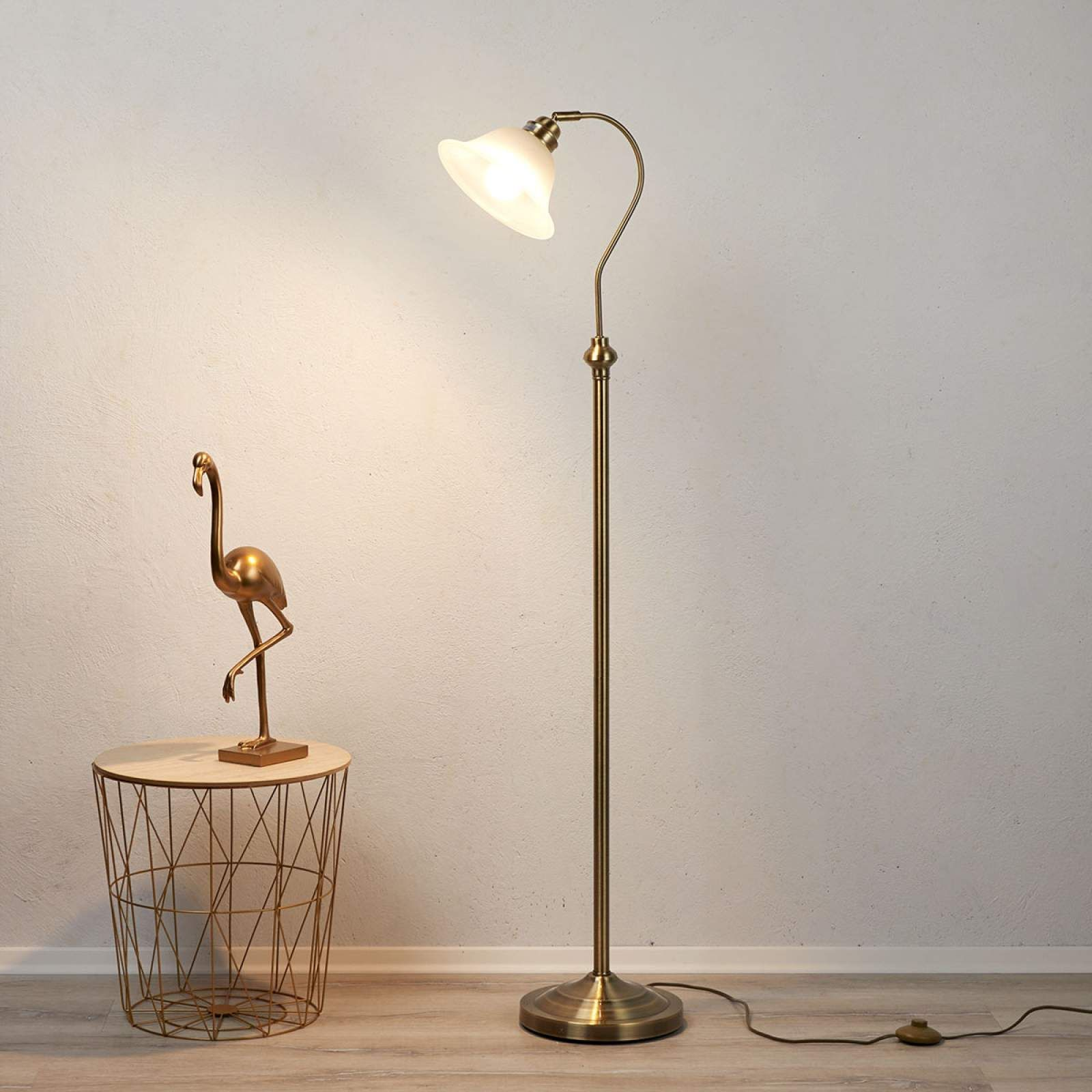 Moderne Stehlampe Bjane Von Searchlight Weiss Lampen Stehlampe