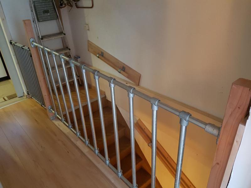 Onwijs Trap)hekken en Balustrades van Steigerbuis - Voorbeelden | Trap ZN-48