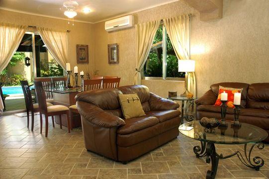 Perfecta combinaci n de colores en paredes y muebles - Decoracion colonial moderno ...