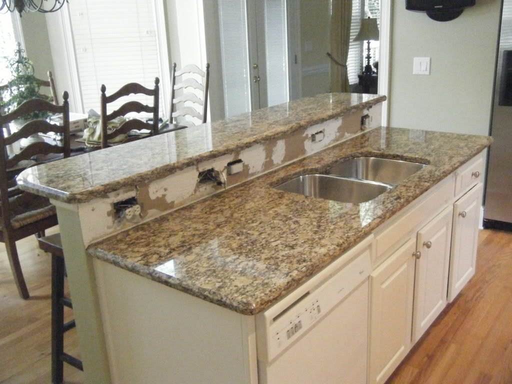 Santa Cecilia Dark Granite Bainbrook Brown