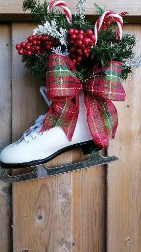 Photo of Christmas figure skating wreath
