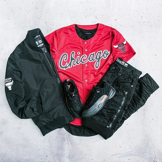 online store 4eb4a ccd2c Cop a new outfit at Jimmy Jazz! Jacket   Unk Jersey   mitchellandness  Jeans   Heritage Sneakers   Jordan