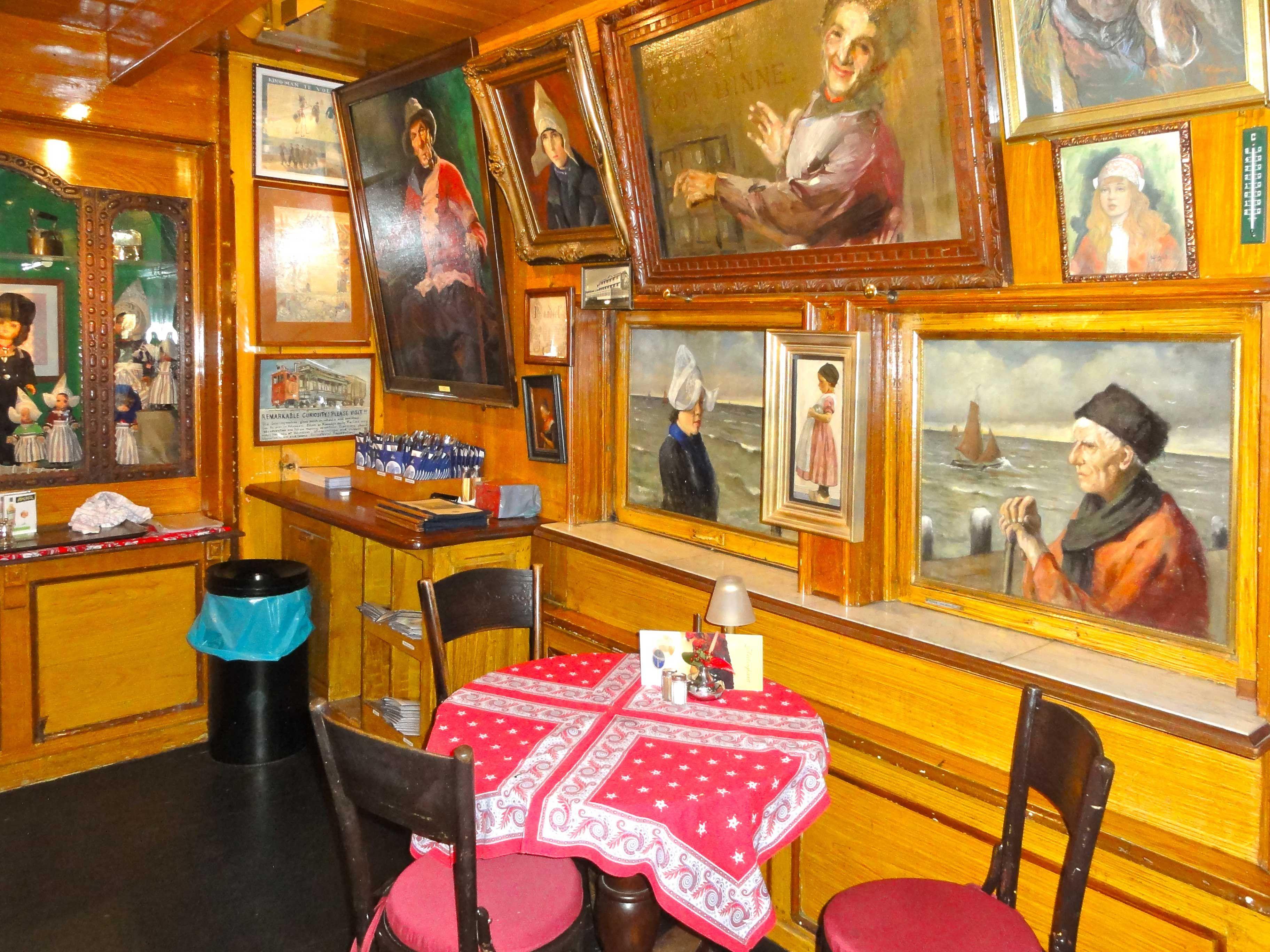 interieur volendam origineel doolhof - Google zoeken | The Splendour ...