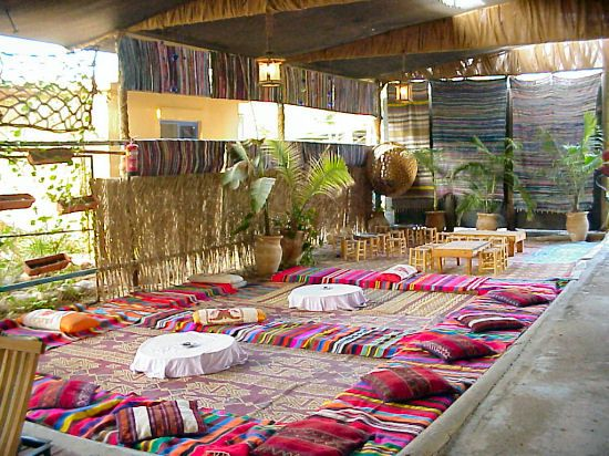 Authentic Bedouin Feasts in Colorful Tents. & Qatar bedouin custom | Bedouins | Pinterest | Tents