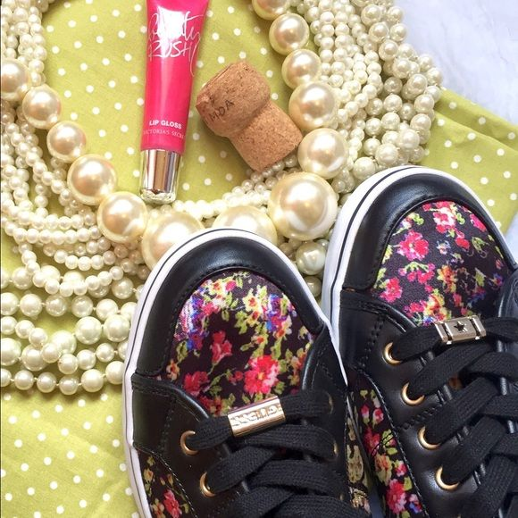 Floral sneakers, Guess shoes sneakers