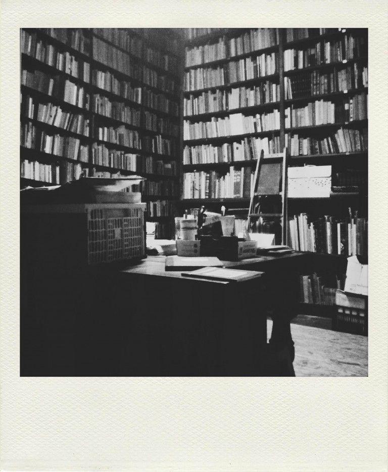 La libreria di umberto saba a trieste trieste trieste for Mobilia trieste piazza sansovino