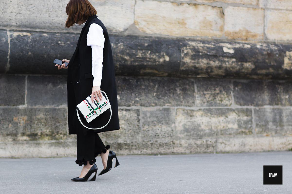Maiko Shibata – Paris / PAULA CADERMATORI bag