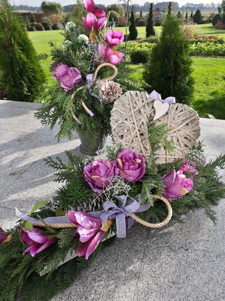 Dekoracja Nagrobna Florystyka Funeralna Wszystkich Swietych 1 Listopada Easter Flower Arrangements Floral Art Arrangements Funeral Flower Arrangements