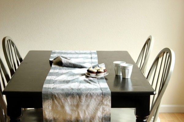 DIY Dip Dye Striped Table Runner by the talented Jenny of Hank & Hunt | The Sweetest Occasion