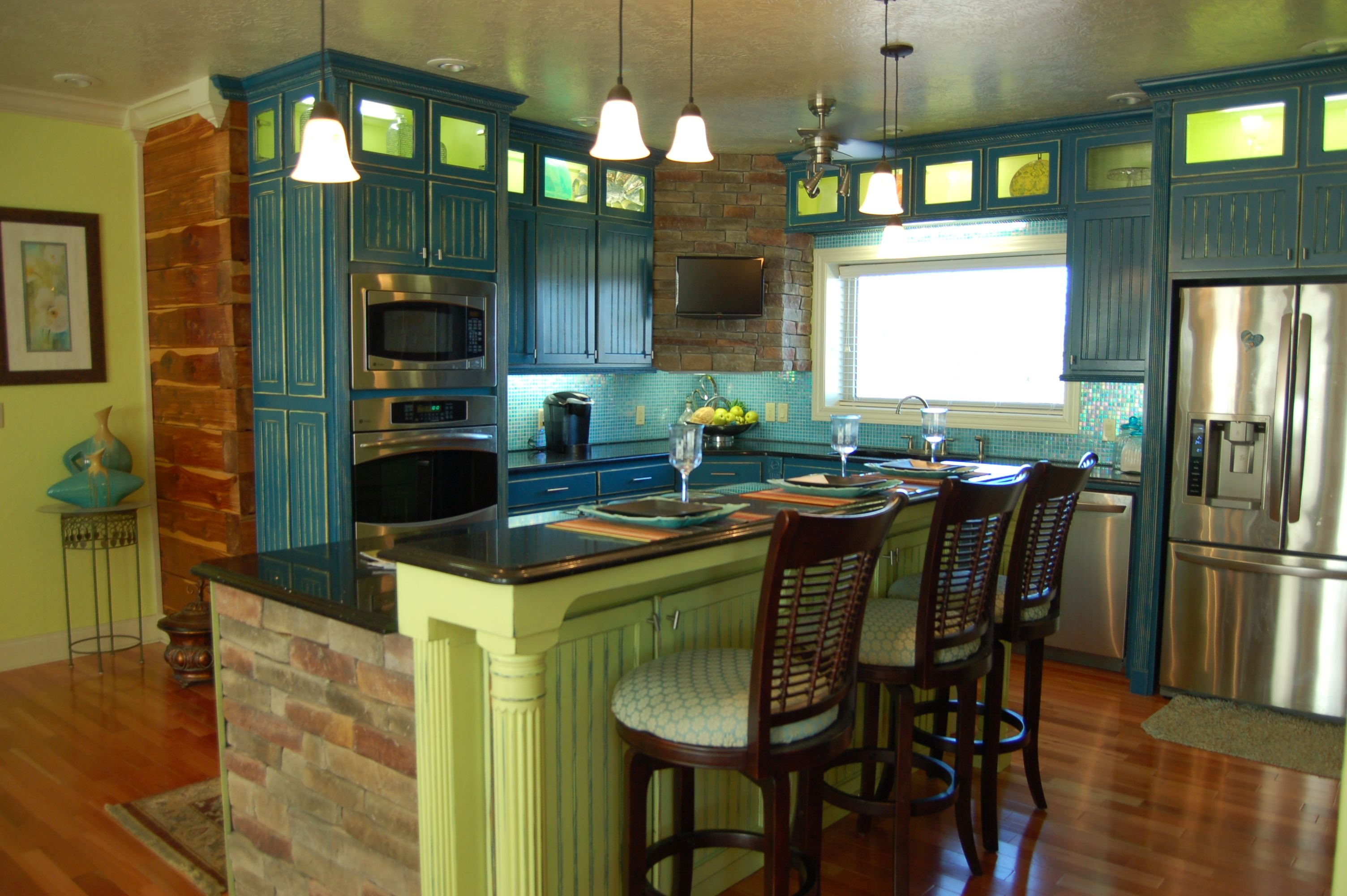 Best Kitchen Done In Teal And Lime Not For Everyone But 400 x 300