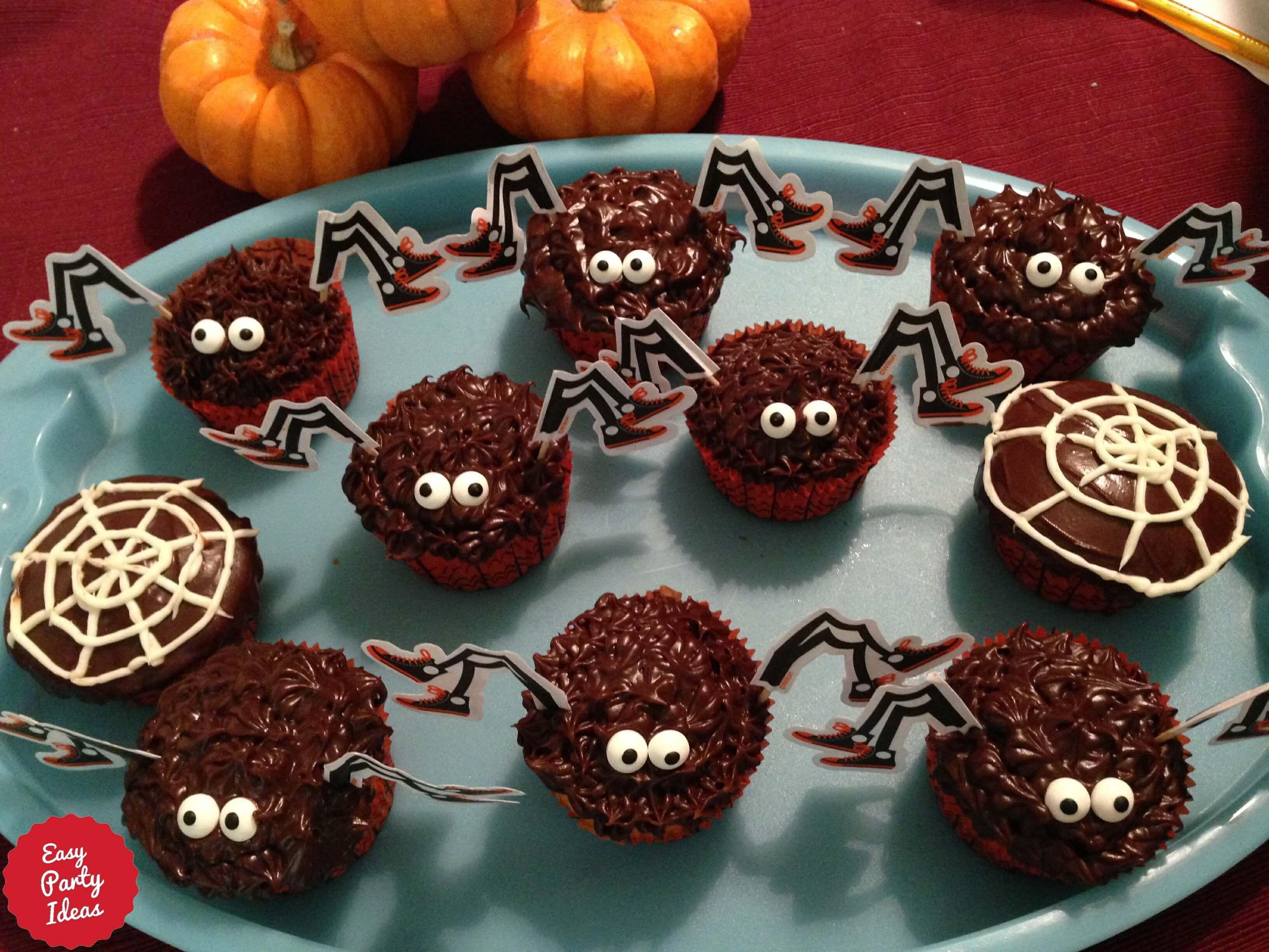 Spider Halloween Cupcakes Teenage parties, Halloween