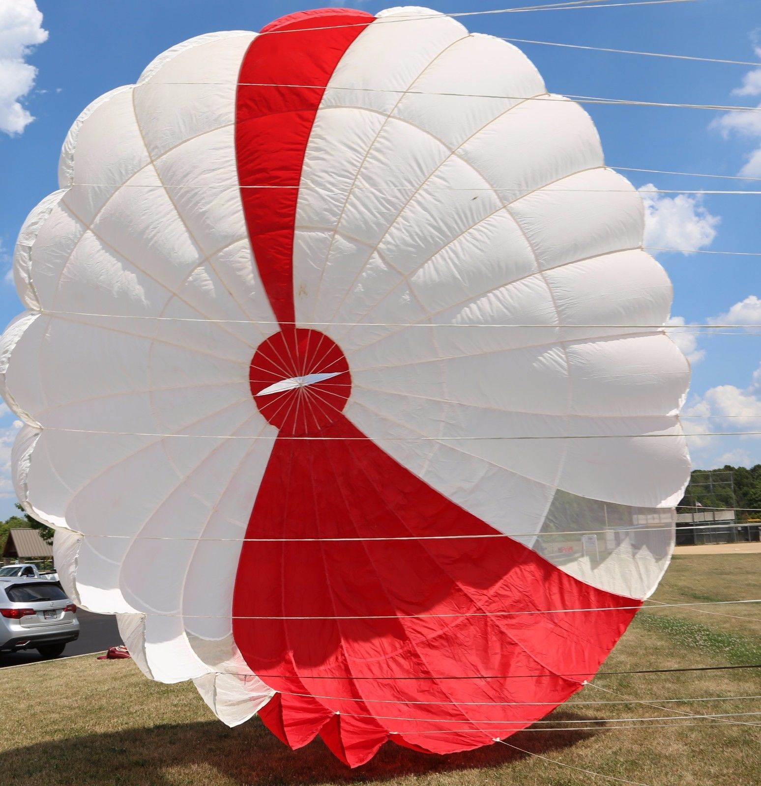 Pioneer 23ft Steerable Vintage Round Reserve Skydiving Parachute Canopy Skydiving Parachute Skydiving Parachute