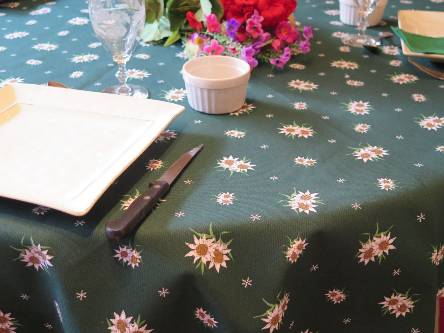 Round Cotton Jacquard Coated Tablecloth Bistro Or Medium Up To 61