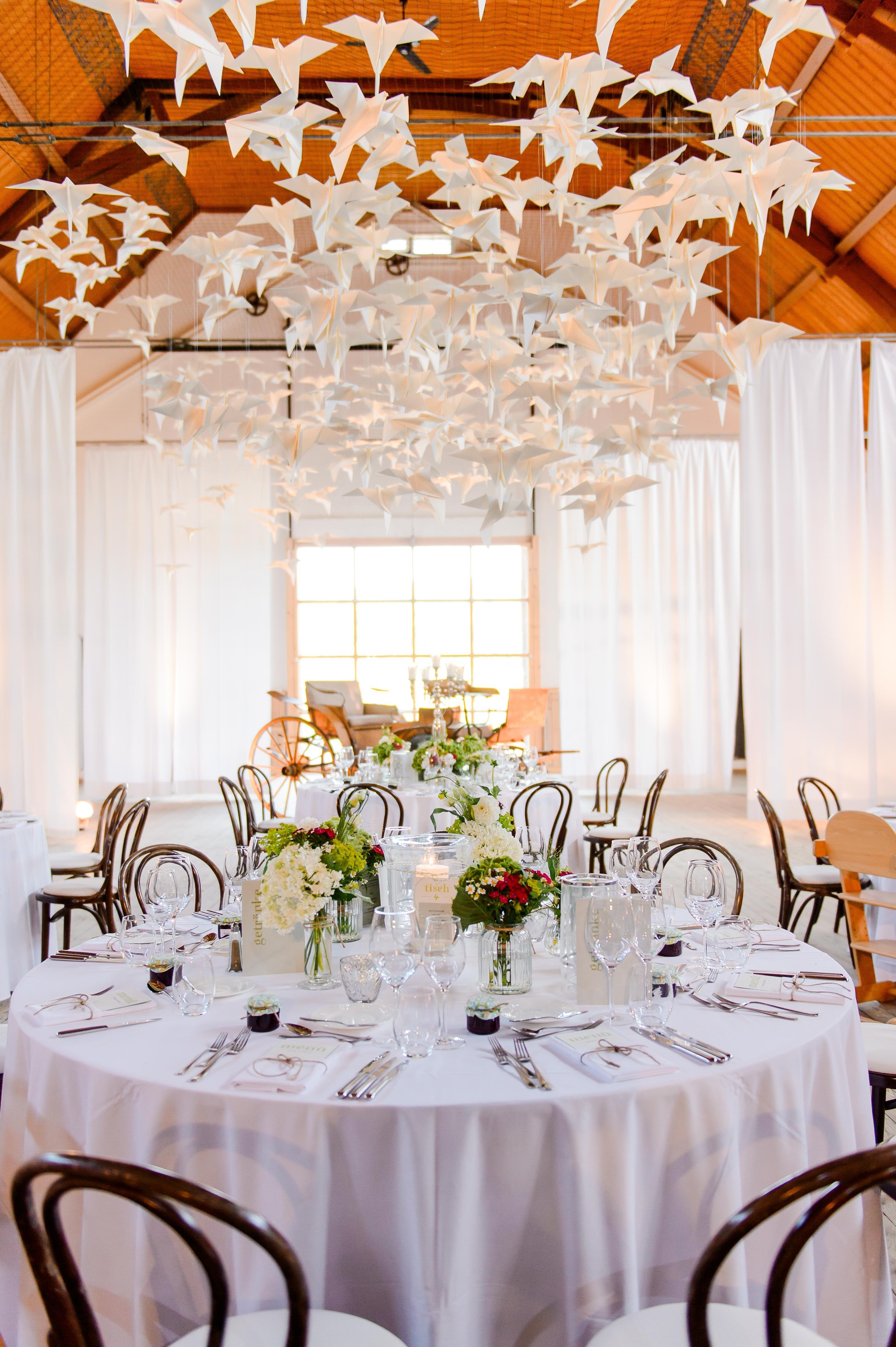 Raum und Deckendekoration Hochzeit Vogelschwarm Ein Papier