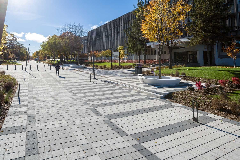 Universite Laval Quebec Avenue Des Sciences Humaines Pave