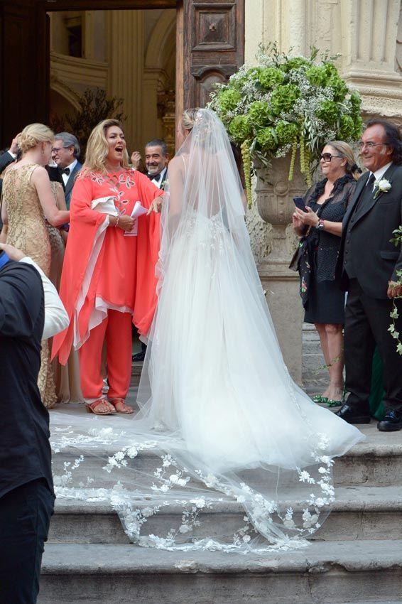 Pin En Only Bride