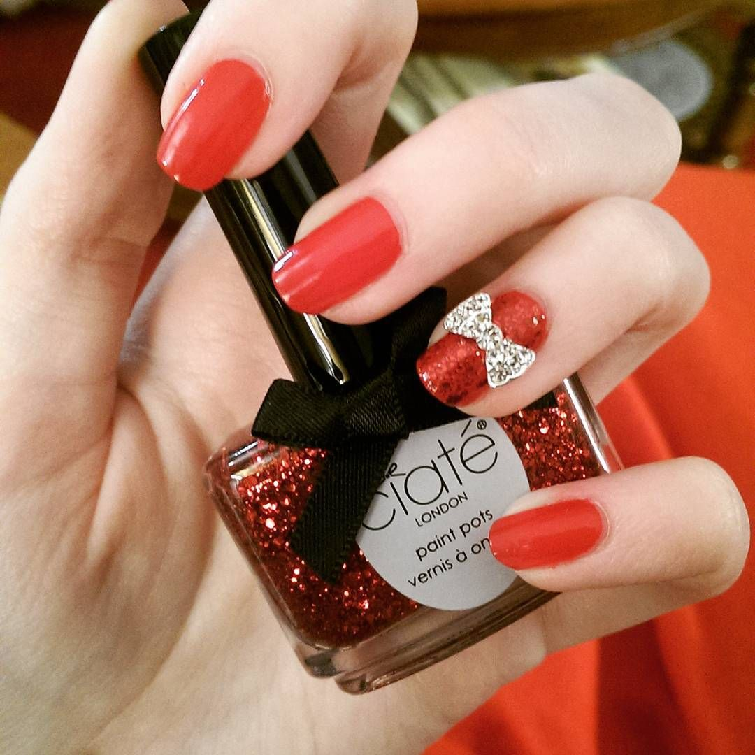 """""""It wouldn't be Christmas without a bit of sparkle! #ciate #christmasnails #nailart"""""""
