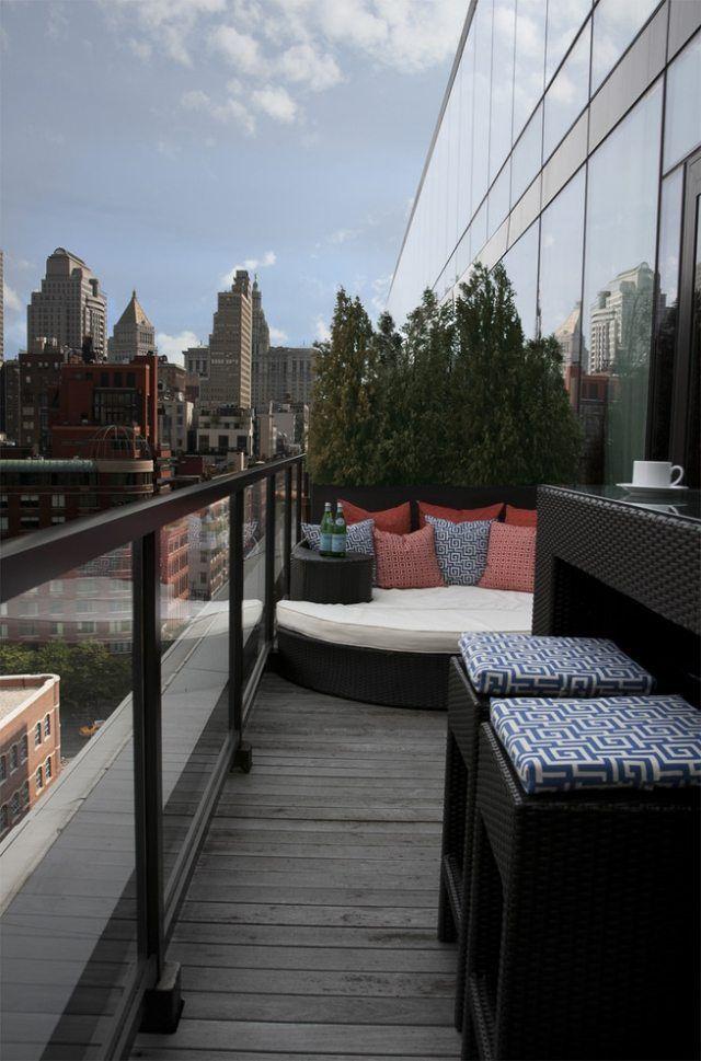 Ideen Balkon Lounge Bett Gestaltung Pflanzen Glas Gelander Alles