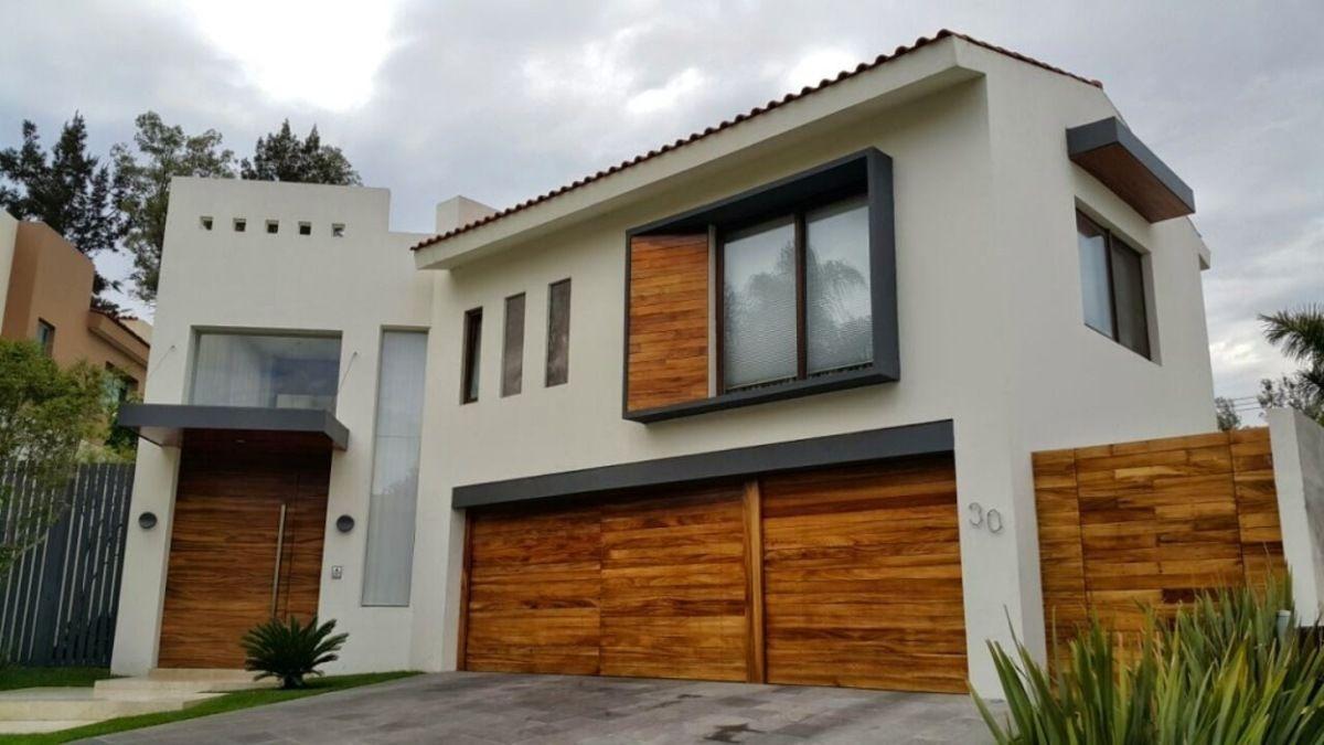 Casa De 1000m2 Con 4 Recamaras En Puerta De Hierro Fachada De Casa Casas En Venta Casas