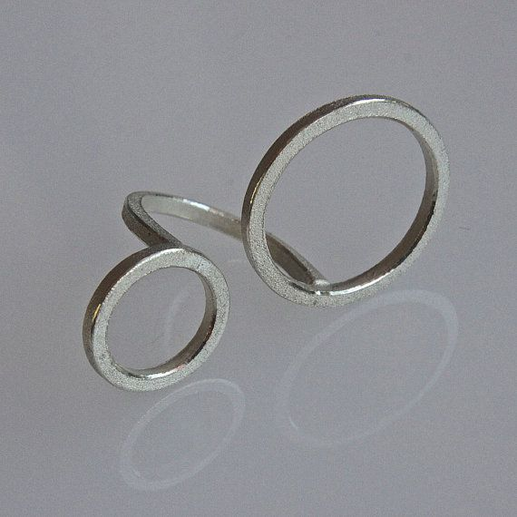 Contemporary ring \