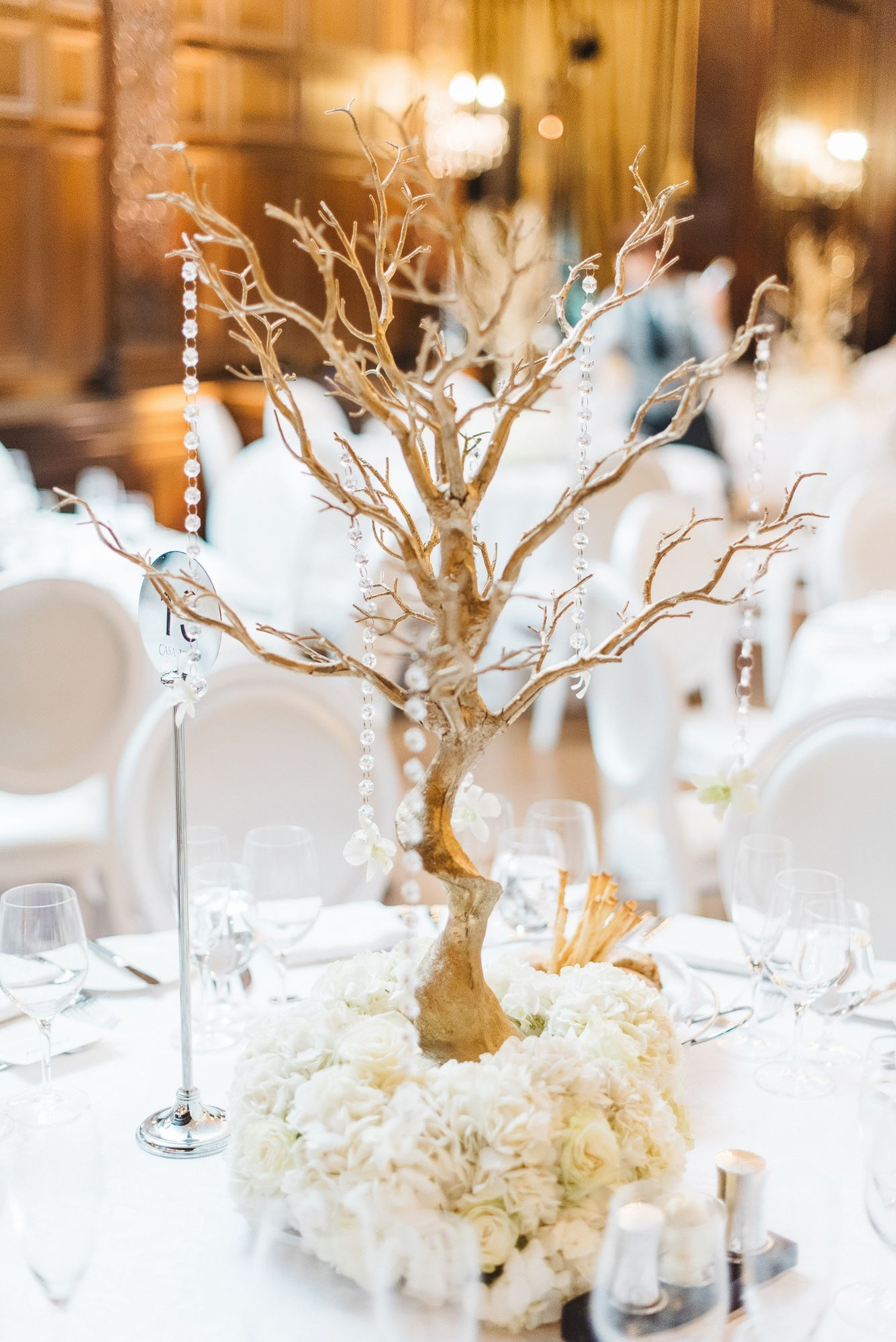 Love this #elegant wedding centerpiece. Photo Credit: Aleksandr ...