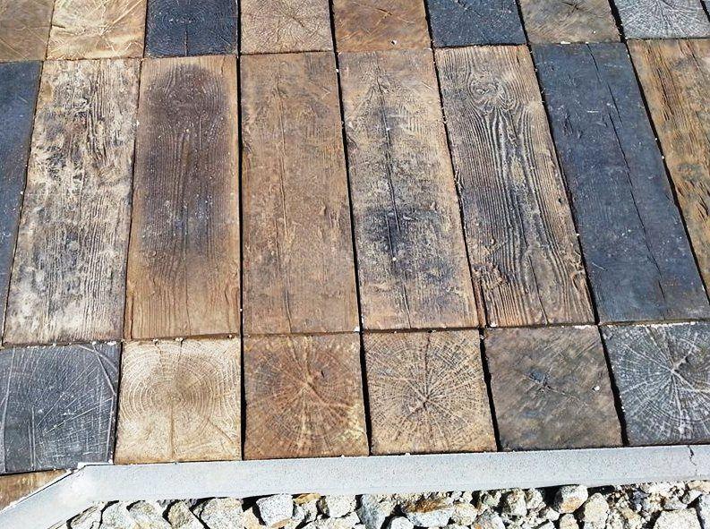 Paso de piezas prefabricadas de hormigón tematizadas con ankare stains