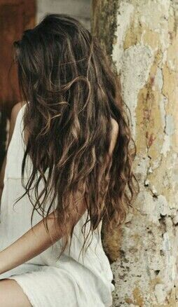 This girls got the right idea!! *Long messy hair*