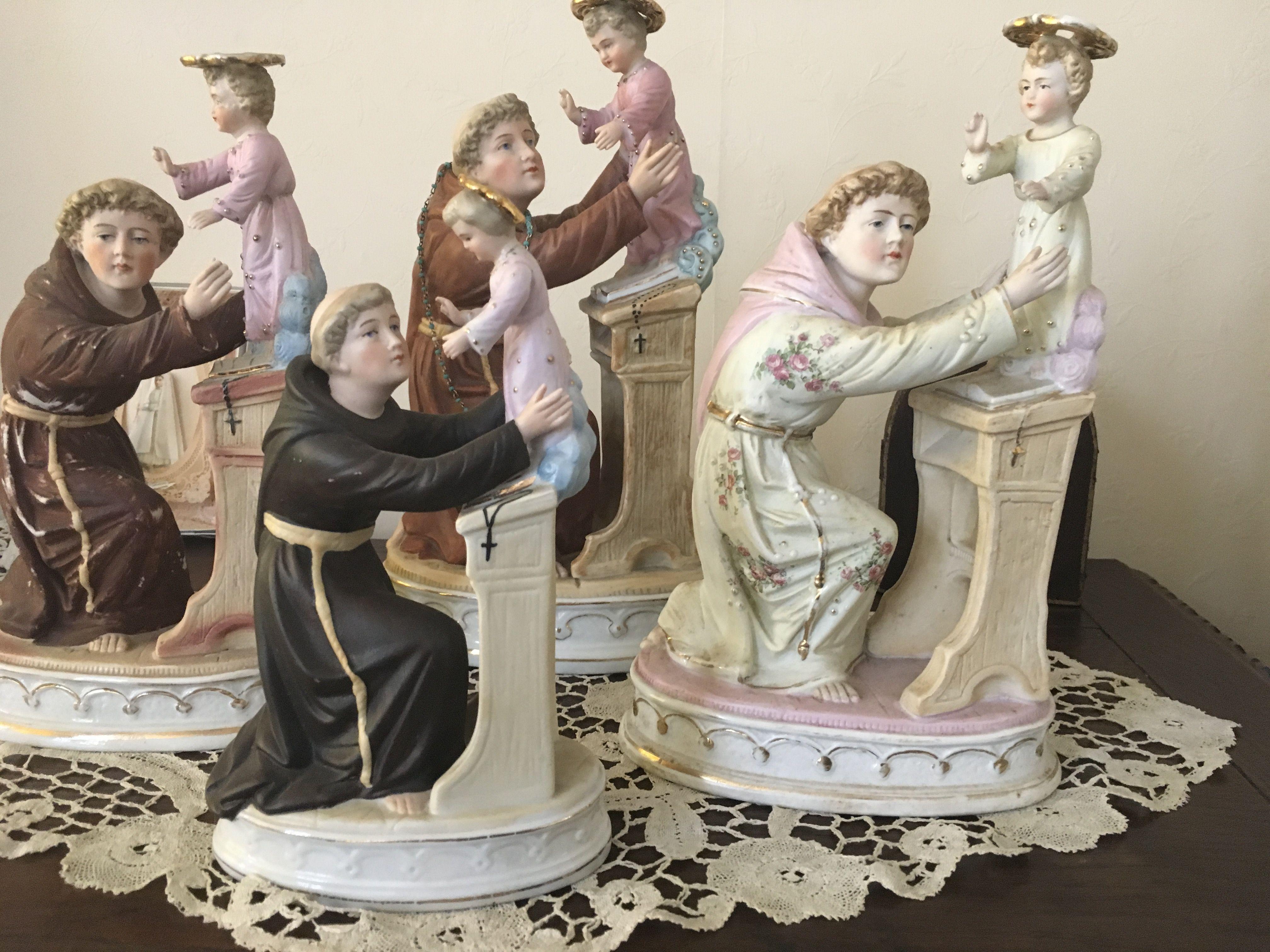 Sint Antoon met bidbank Bisquitporselein  Rond1900 Duitse makelei