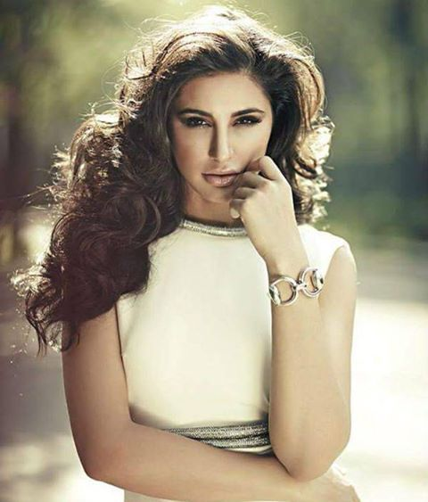 Gorgeous beauty #nargisfakhri made her acting debut with #Rockstar (2011). Now 2016 is goi http://bit.ly/1ZGYmPM http://bit.ly/1JoP1KH
